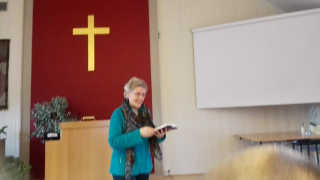 Kari Helene Haugen er en poplær dame å få besøk av på Juniorklubben